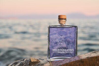 Alcolici a domicilio in 30 minuti a Napoli: ecco il gin Mediterraneo!